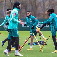 16.11.2020, Trainingsgelaende am wohninvest WESERSTADION - Platz 12, Bremen, GER, 1.FBL, Werder Bremen Training<br /> <br /> Milot Rashica (Werder Bremen #07)<br /> Tahith Chong (Werder Bremen #22)<br /> Ömer / Oemer Toprak (Werder Bremen #21)<br /> <br /> <br /> <br /> Foto © nordphoto / Kokenge *** Local Caption ***