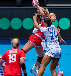 Vladlena Bobrovnikova of Russia , Beatrice Edwige of France in action during the Women's EHF Euro 2020 match between France and Russia at Jyske Bank BOXEN on december 11, 2020 in Kolding, Denmark (Photo by RHF Agency/Ronald Hoogendoorn)