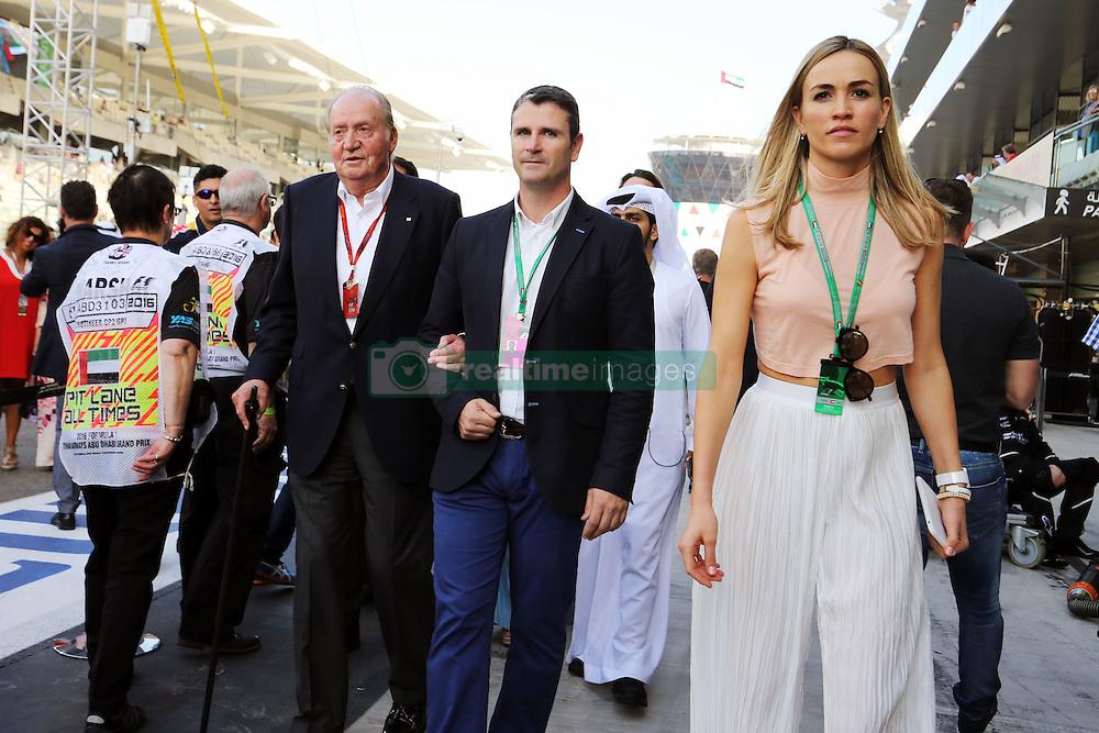 Former Spanish King Juan Carlos with Carmen Jorda (ESP) Renault Sport F1 Team Development Driver.<br /> 27.11.2016. Formula 1 World Championship, Rd 21, Abu Dhabi Grand Prix, Yas Marina Circuit, Abu Dhabi, Race Day.<br /> Copyright: Moy / XPB Images / action press
