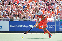 AMSTELVEEN -   Billy Bakker (Ned) tijdens de finale Belgie-Nederland (2-4) bij de Rabo EuroHockey Championships 2017.   COPYRIGHT KOEN SUYK