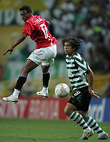 Photo: Paul Thomas.<br /> Sporting Lisbon v Manchester United. UEFA Champions League Group F. 19/09/2007.<br /> <br /> Nani of Utd battles with Abel (R).
