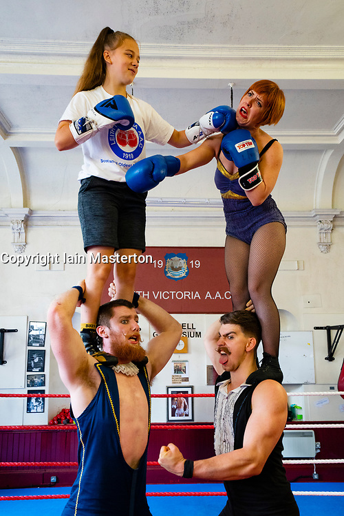 """Edinburgh, Scotland, UK. 5 August 2019. Acrobats from Australian Troupe Company2 hold a master class with young boxers in Leith Victoria AAC, Scotland's oldest boxing club and which celebrates it's centenary this year. The company's show """"Fight Night"""" runs at Underbelly's Circus Tent. Iain Masterton/Alamy Live News"""