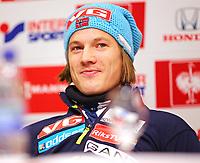 Hopp<br /> FIS World Cup<br /> Oberstdorf Tyskland<br /> 27.12.2013<br /> Foto: Gepa/Digitalsport<br /> NORWAY ONLY<br /> <br /> FIS Weltcup der Herren, Vierschanzen-Tournee, Vorberichte, Pressekonferenz. Bild zeigt Tom Hilde (NOR).