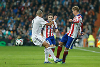 Real Madrid´s Pepe (L) and Atletico de Madrid´s Fernando Torres during Spanish King´s Cup match at Santiago Bernabeu stadium in Madrid, Spain. January 15, 2015. (ALTERPHOTOS/Victor Blanco)
