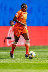 15-06-2019 FRA: Netherlands - Cameroon, Valenciennes<br /> FIFA Women's World Cup France group E match between Netherlands and Cameroon at Stade du Hainaut / Lineth Beerensteyn #21 of the Netherlands