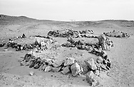 MALI. Tarhara. 9/02/1987: Tombs of four men who died digging a well.