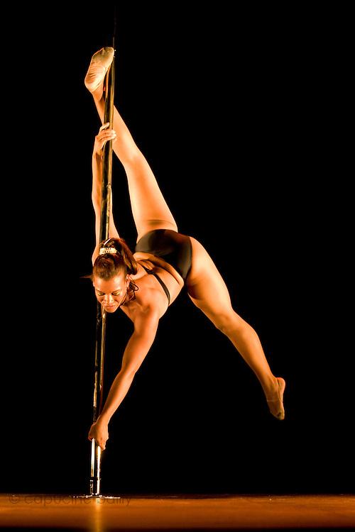 Lundi 14 Septembre 2009. Paris, France..Premiere competition Officielle de Pole Dance en France..20eme Theatre (Paris 20eme)..Prana Ovide Etienne (Vice Championne)