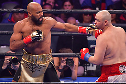 January 26, 2019 - Brooklyn, New York, USA - ADAM KOWNACKI (white and red trunks) battles GERALD WASHINGTON in a heavyweight bout at the Barclays Center in Brooklyn, New York. (Credit Image: © Joel Plummer/ZUMA Wire)