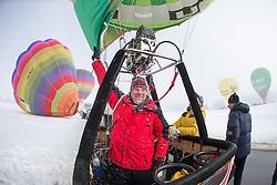 11.02.2015, Zell am See - Kaprun, AUT, BalloonAlps, im Bild Ballonpilot Toni Peter bei den Startvorbereitungen // BalloonAlps, The Alps Crossing Event balloonalps is Austria's international Winter balloon week in front of the backdrop of the Hohe Tauern, Zell am See Kaprun on 2015/02/11, . EXPA Pictures © 2014, PhotoCredit: EXPA/ JFK