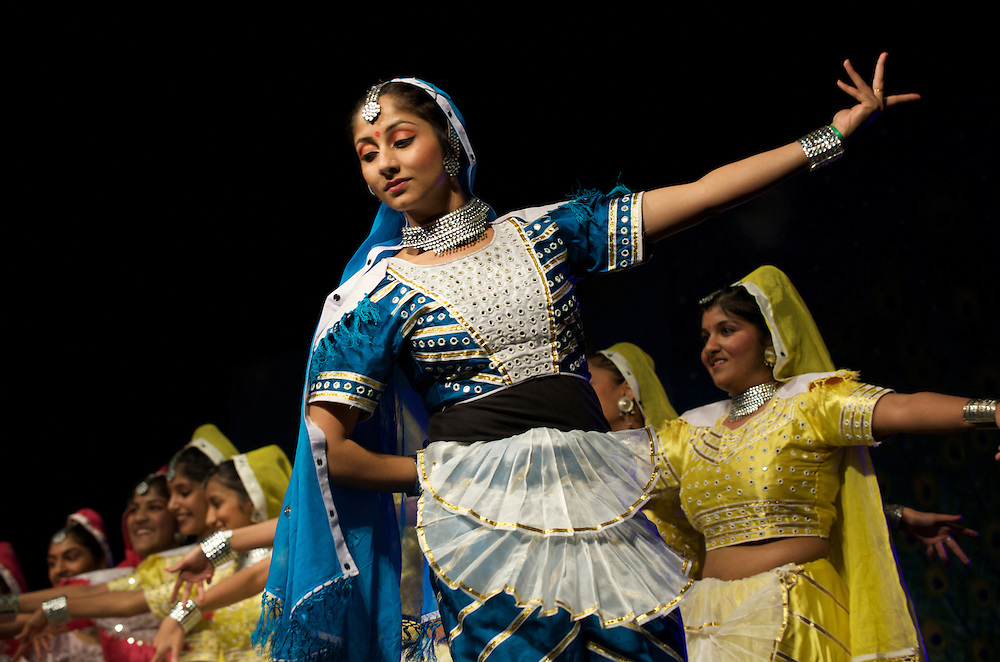 London.  October 19, 2008.  Dancers perform during the Diwali, festival of lights, celebrations. Thousands of Londoners gathered at Trafalgar Square on Sunday for Diwali, which has religious significance for Hindus, Sikhs and Jains, and is celebrated by many communities throughout the capital.  Dances of many styles including Kathak from North India, Oddissi dancers from Orissa, classical Bharata Natyam, contemporary dance, and a touch of Bhangra were performed.   The event was organised by the Mayor of London and the National Gallery of Art.  (Photo by Mark Bryan Makela/UPPA/Photoshot)