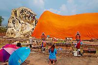 Thailande, province de Phra Nakhon Si Ayutthaya, Ayutthaya, Parc Historique, patrimoine mondial de l'UNESCO,  Wat Lokaya Sutha, Bouddha couche // Thailand, Ayutthaya, Ayutthaya Historical Park, World Heritage by UNESCO, Wat Lokaya Sutha, sleeping Buddha