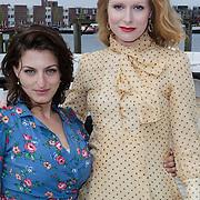 NLD/Amsterdam/20120419 - Lancering Moet Ice Imperial, Daphne Flint en Jolanda van den Berg