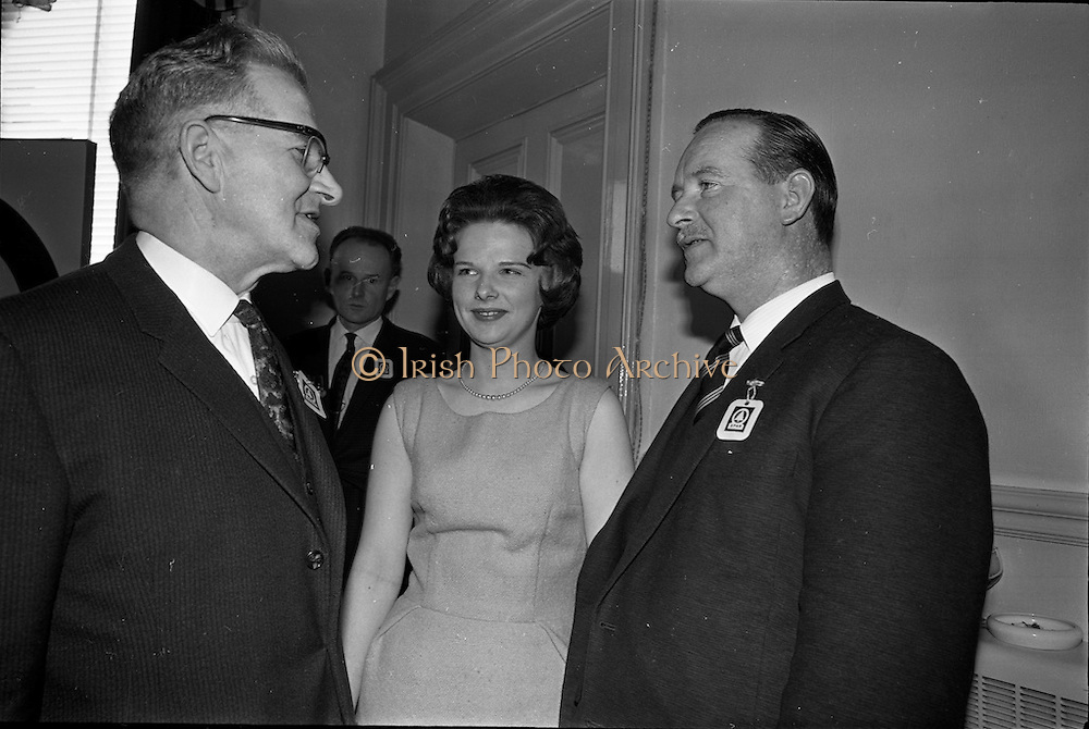 01/04/1963<br /> 04/01/1963<br /> 01 April 1963<br /> SPAR reception at the Shelbourne Hotel, Dublin. The reception announced the formation of SPAR (Ireland) Ltd. comprised of the Irish Wholesale Grocers Firms: Amalgamated Wholesalers Ltd., (P. Barrett and Sons Ltd., Dublin; D. Tyndall and Sons Ltd., Dublin and McNulty and O'Reilly Ltd., Bray); Munster United Merchants Ltd., (Maurice P. Daly Ltd., Cork and The Jamaica Banana Co. Cork) and Messrs Looney and Co. Ltd., Limerick. Mr. P. Barrett, Amalgamated Wholesalers Dublin; Miss Carol O'Reilly and Mr. M.J. O'Reilly, Amalgamated Wholesalers, Dublin.
