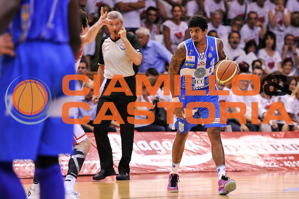 DESCRIZIONE : Campionato 2014/15 Serie A Beko Grissin Bon Reggio Emilia - Dinamo Banco di Sardegna Sassari Finale Playoff Gara7 Scudetto<br /> GIOCATORE : Edgar Sosa<br /> CATEGORIA : Palleggio<br /> SQUADRA : Dinamo Banco di Sardegna Sassari<br /> EVENTO : LegaBasket Serie A Beko 2014/2015<br /> GARA : Grissin Bon Reggio Emilia - Dinamo Banco di Sardegna Sassari Finale Playoff Gara7 Scudetto<br /> DATA : 26/06/2015<br /> SPORT : Pallacanestro <br /> AUTORE : Agenzia Ciamillo-Castoria/L.Canu