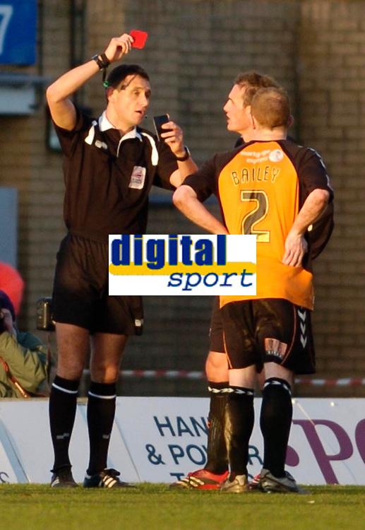 Photo: Leigh Quinnell.<br /> Milton Keynes Dons v Barnet. Coca Cola League 2. 20/01/2007. Referee Andre Mariner sends off Barnets Ian Hendon.