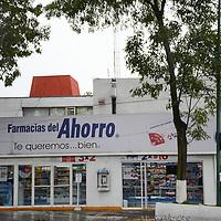 TOLUCA, México (Julio 04, 2017).- Aspectos de la fachada de farmacias del ahorro en Av. Carranzay y Pablo Sidar. Agencia MVT / Arturo Hernández.