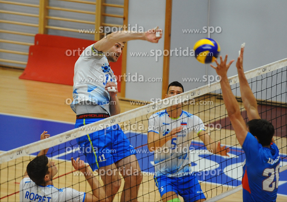 Danijel Koncilija of Slovenia vs Srecko Lisinac of Serbia during friendly volleyball match between National teams of Serbia and Slovenia, on August 18, 2017, in Belgrade, Serbia. Photo by Nebojsa Parausic / MN press / Sportida
