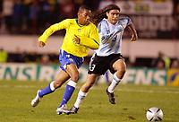Fotball, 6. juni 2005,  - <br />  - QUALIFYING ROUND -  - ARGENTINA v BRAZIL - 08/06/2005 - J ROBINHO (BRA) / JUAN SORIN (ARG)<br /> PHOTO BERTRAND MAHE / DIGITALSPORT<br /> NORWAY ONLY