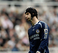 Photo: Jed Wee/Sportsbeat Images.<br /> Newcastle United v Chelsea. The Barclays Premiership. 22/04/2007.<br /> <br /> Chelsea goalkeeper Petr Cech shows his disappointment as time ticks down on a 0-0 draw.