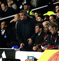 Terry Venables looks on anxiously with Bryan Robson during the second half.Tottenham Hotspur v Middlesbrough.23/12/2000 FA.Carling Premiership.Credit:Colorsport/Andrew Cowie.