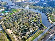Nederland, Noord-Holland, Amsterdam; 16-04-2021; begraafplaats Zorgvlied aan de Amstel. De begraafplaats is een Rijksmonument en valt onder de gemeente Amstelveen.<br /> Zorgvlied cemetery on the Amstel. The cemetery is a national monument and falls under the municipality of Amstelveen.<br /> luchtfoto (toeslag op standard tarieven);<br /> aerial photo (additional fee required)<br /> copyright © 2021 foto/photo Siebe Swart