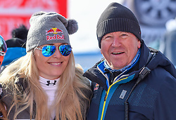 19.01.2019, Olympia delle Tofane, Cortina d Ampezzo, ITA, FIS Weltcup Ski Alpin, Abfahrt, Damen, im Bild Lindsey Vonn (USA) und Robert Trenkwalder (Red Bull) // Lindsey Vonn of the USA and Robert Trenkwalder ( Red Bull) reacts after her run in the ladie's Downhill of FIS ski alpine world cup at the Olympia delle Tofane in Cortina d Ampezzo, Italy on 2019/01/19. EXPA Pictures © 2019, PhotoCredit: EXPA/ Erich Spiess