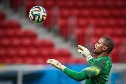 Goleiro Jefferson durante treino do Brasil antes da partida contra Camarões, válida pela terceira rodada do Grupo A da Copa do Mundo 2014, no Estádio Nacional Mané Garrincha, em Brasília-DF. FOTO: Jefferson Bernardes/ Agência Preview