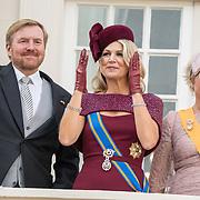 NLD/Den Haag/20190917 - Prinsjesdag 2019, Koning Willem Alexander, Koningin Maxima, Prinses Laurentien,  op het balkon van het paleis