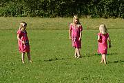Koninklijke fotosessie 2012 in Wassenaar.<br /> <br /> Op de foto:  Prinses Ariane , Prinses  Amalia en Prinses  Alexia