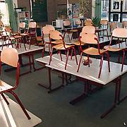 Leeg klaslokaal op school de Teemaster in Huizen nav een lerarenstaking