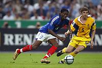 Fotball<br /> Privatlandskamp<br /> Frankrike v Ukraina<br /> 6. juni 2004<br /> Foto: Digitalsport<br /> NORWAY ONLY<br />  LOUIS SAHA (FRA) / VOLODVMYR YASERSKIY (UKR)