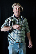Javier Calvelo/ URUGUAY/ MONTEVIDEO/ FOTOGRAFIA/ Expoprado - Exposicion Rural del Prado de Montevideo/ Proyecto documental sobre la identidad, lo nacional, lo Uruguayo. Se trata de retratos simples mirando a camara y con un fondo neutro. Les pregunto a los fotografiados como quieren ser recordados en el futuro y de que localidad del Uruguay son.<br /> El titulo esta basado en la obra de Raymond Firth, Tipos Humanos. (Raymond William Firth, ( 1901-2002) fue un etnólogo neozelandés profesor de Antropología en la London School of Economics, es uno de los fundadores de la antropología económica británica). <br /> En la foto:  Tipos Humanos en Expoprado, Alejandro Bauer, Casupa. Foto: Javier Calvelo <br /> alejandrobauer@hotmail.com<br /> 2013-09-06 dia viernes