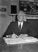 1954 - Persons at Offig Indiu, Irish language newspaper, Talbot Street