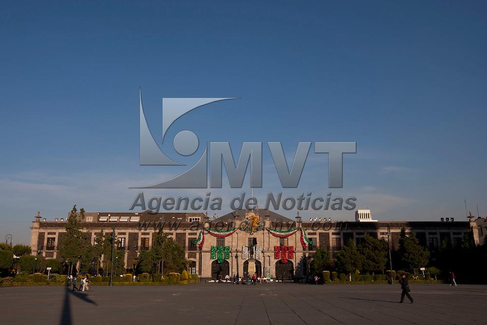 TOLUCA, Mexico.- Vista cotidiana del Palacio de Congreso (Poder Legislativo) y plaza de los Martires en la ciudad de Toluca . Agencia MVT / Mario Vazquez de la Torre. (DIGITAL)