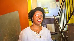 """PORTO ALEGRE, RS, BRASIL, 21-01-2017, 13h11'26"""":  Desiree dos Santos, 32, no Matehackers Hackerspace da Associação Cultural Vila Flores, no bairro Floresta da capital gaúcha. A  Consultora de Desenvolvimento de Software na empresa ThoughtWorks fala sobre as dificuldades enfrentadas por mulheres negras no mercado de trabalho.(Foto: Gustavo Roth / Agência Preview) © 21JAN17 Agência Preview - Banco de Imagens"""