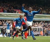 Fotball<br /> Premier League England 2004/2005<br /> 18.12.2004<br /> Foto: SBI/Digitalsport<br /> NORWAY ONLY<br /> <br /> Birmingham City v West Bromwich Albion<br /> Barclays Premiership. 18/12/2004<br /> <br /> Birmingham City's Emile Heskey (R) celebrates scoring his side's third goal of the match.