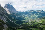 Sonne auf Eiger, Lauberhorn. Kleine Scheidegg und Männlichen
