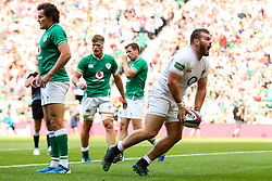 Luke Cowan-Dickie of England scores a try - Rogan/JMP - 24/08/2019 - RUGBY UNION - Twickenham Stadium - London, England - England v Ireland - Quilter Series.
