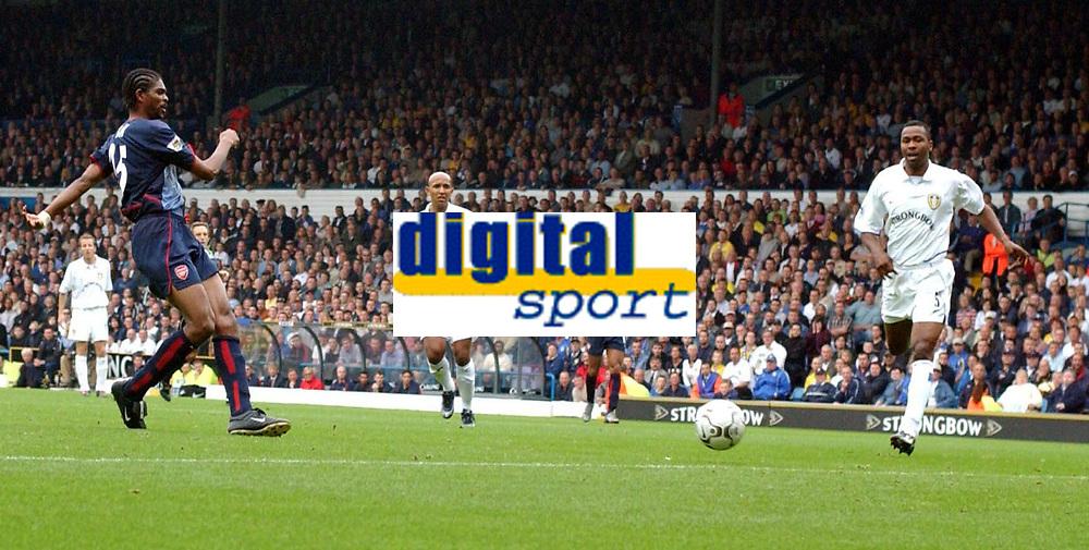 Fotball. Premier League. 28.09.2002.<br /> Leeds v Arsenal.<br /> Kanu gjør 1-0 for  Arsenal.<br /> Foto: Matthew Impey, Digitalsport