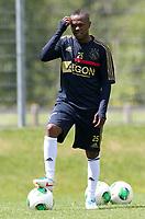 Fotball<br /> Nederland<br /> Treningsleir Ajax<br /> Neustift Østerrike<br /> 02.07.2013<br /> Foto: Gepa/Digitalsport<br /> NORWAY ONLY<br /> <br /> Niederlaendische Eredivisie, AFC Ajax Amsterdam, Trainingslager. <br /> <br /> Bild zeigt Thulani Serero (Ajax)