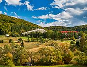 """Wysowa-Zdrój (woj. małopolskie) 2019-09-30, znana jest z leczniczych wód mineralnych wieś uzdrowiskowa w południowej Polsce. Ośrodeki uzdrowiskowe """"Biawena"""" i """"Beskid"""""""