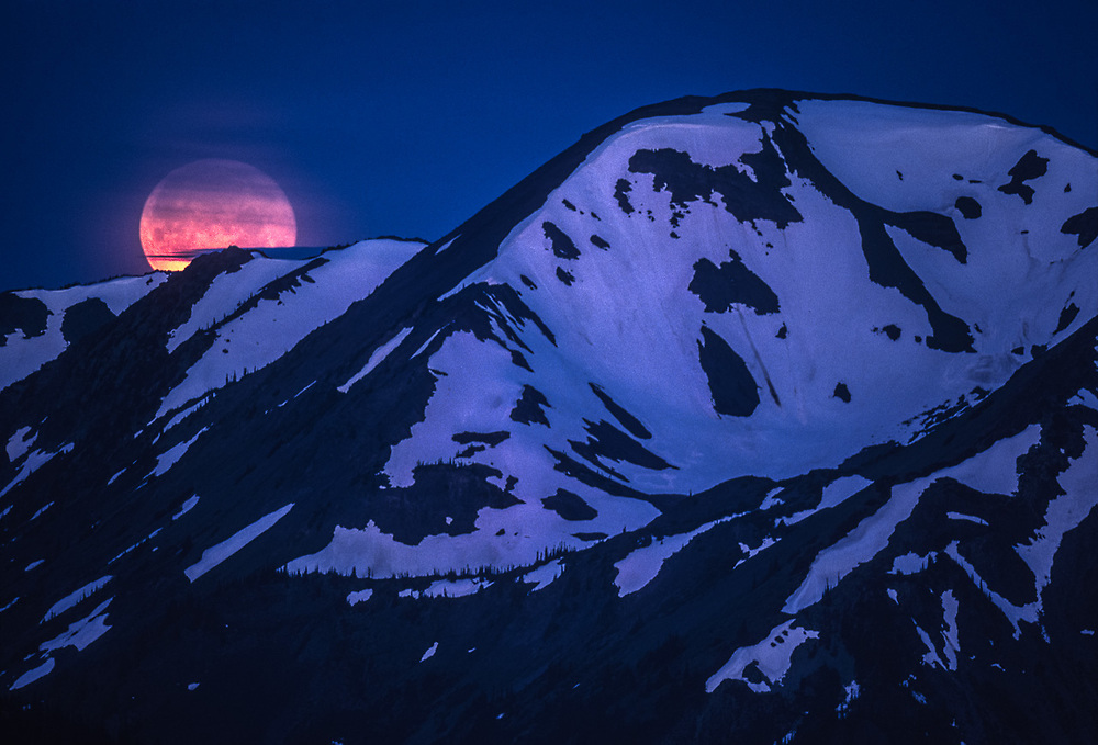 Moonset over the Olympic Mountains, view from Obstruction Point area, Olympic National Park, Washington, USA