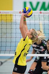 09-11-2014 GER: USC Muenster - Dresdner SC, Munster<br /> Halle Berg Fidel / Zuspiel Tess von Piekartz (#4 USC Muenster)<br /> <br /> <br /> ***NETHERLANDS ONLY***