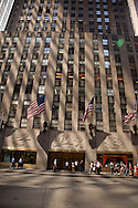 New York. Rockfeller center ,  6th avenue, avenue of the americas, traffic New York, Manhattan - United states  /    la  6 em avenue,  Manhattan - Etats-unis