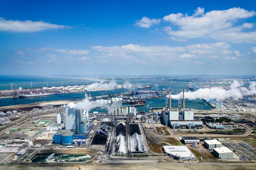Nederland, Zuid-Holland, Rotterdam, 10-06-2015; Maasvlakte met E.ON Benulux, rechts de Maasvlakte kolencentrales 1 en 2 (met twee schoorstenen). Links de nieuwe centrale Maasvlakte Power Plant MPP3. In de achtergrond de Europhaven en links de Yangtzehaven.<br /> Maasvlakte with the coal-fired Maasvlakte Power Plant E.ON.<br /> luchtfoto (toeslag op standard tarieven);<br /> aerial photo (additional fee required);<br /> copyright foto/photo Siebe Swart