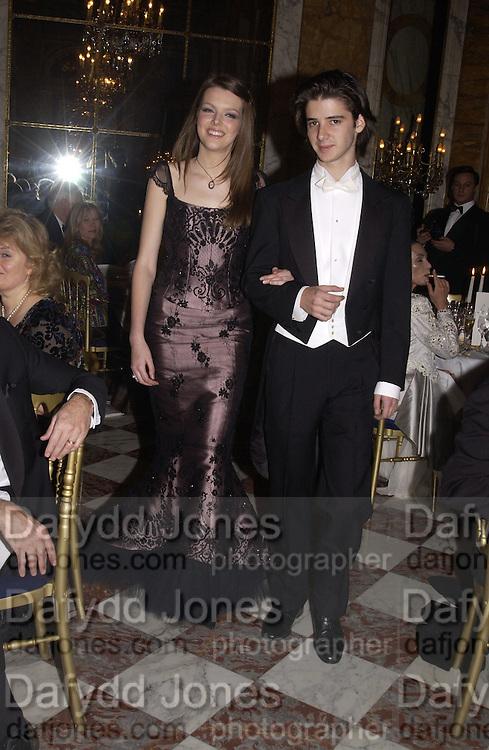 Genevieve Chapman and her escort, Olivier de la Ferriere. . Crillon Debutantes Ball 2002. Paris. 7 December 2002. © Copyright Photograph by Dafydd Jones 66 Stockwell Park Rd. London SW9 0DA Tel 020 7733 0108 www.dafjones.com