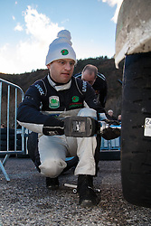 17.01.2014, Reifen Service, Sisteron, FRA, FIA, WRC, Monte Carlo, 2. Tag, im Bild KREMER Armin ( Stohl Racing (AUT) / Ford Fiesta R5 ) wechselt die Reifen an seinem Fahrzeug during day two of FIA Rallye Monte Carlo held near Monte Carlo, France on 2014/01/17. EXPA Pictures © 2014, PhotoCredit: EXPA/ Eibner-Pressefoto/ Neis<br /> <br /> *****ATTENTION - OUT of GER*****