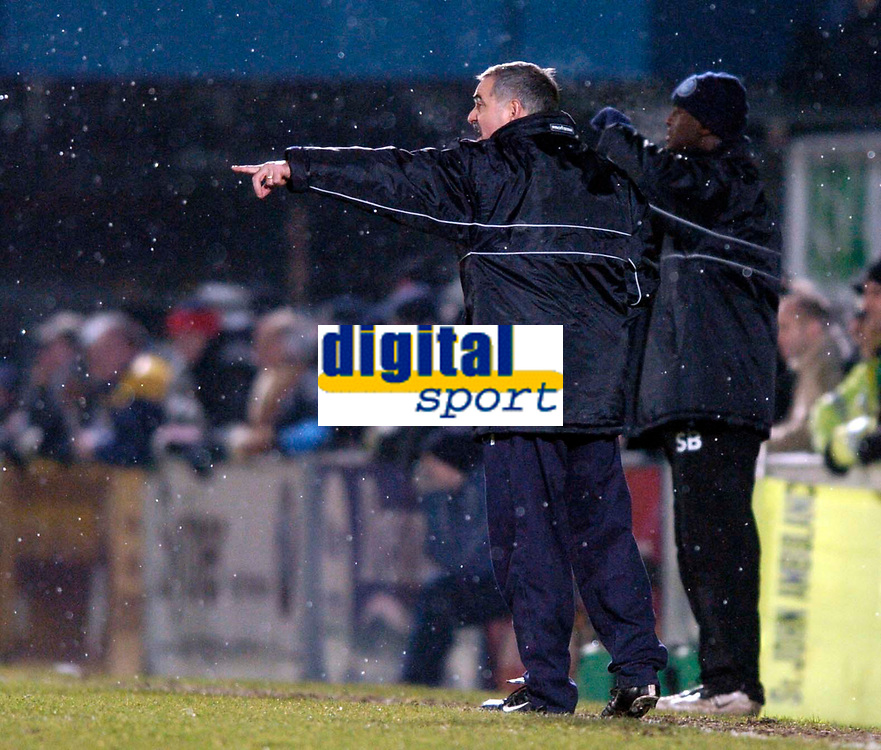 Photo. Richard Lane.<br />Wycombe Wanderers v Leyton Orient. Coca Cola League Two. 29/12/2005.<br />Wycombe's manager, John  Gorman.