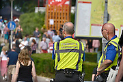 Nederland, Nijmegen, 14-7-2013Medewerkers van bureau toezicht en handhaving houden een oogje in het zeil  tijdens de zomerfeesten. Zij ontlasten de politie hiermee.Foto: Flip Franssen/Hollandse Hoogte