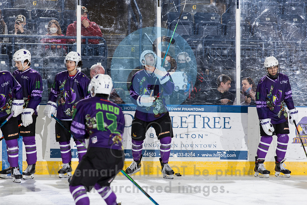 The Youngstown Phantoms defeat the Muskegon Lumberjacks 4-3 in overtime at the Covelli Centre on April 17, 2021.<br /> <br /> Will Hillman, forward, 17